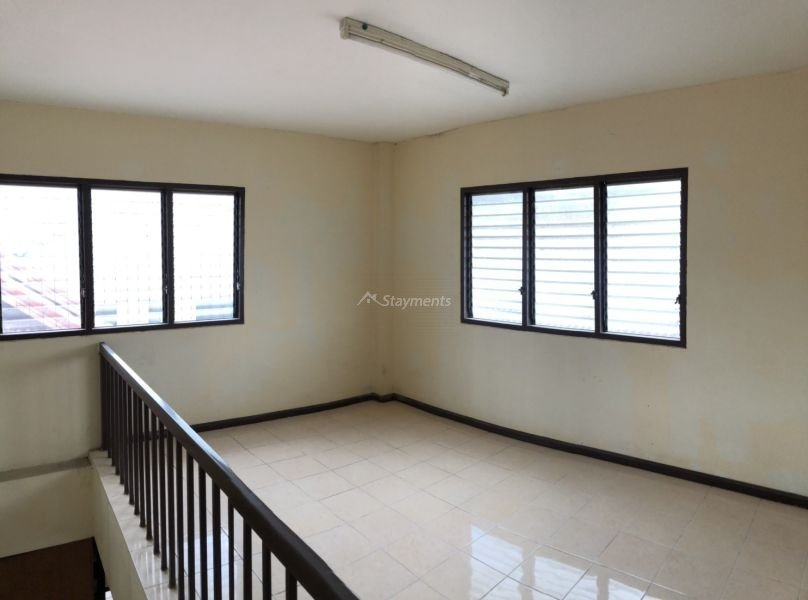 3 storey townhouse for rent in nimman 5