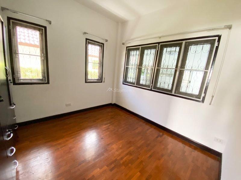 3-bedroom-house-for-sale-in-baan-wangtarn-san-phak-wan-chiang-mai (11)