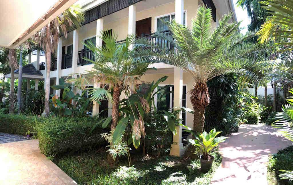 luxury-villa-sale-chiang-mai-11