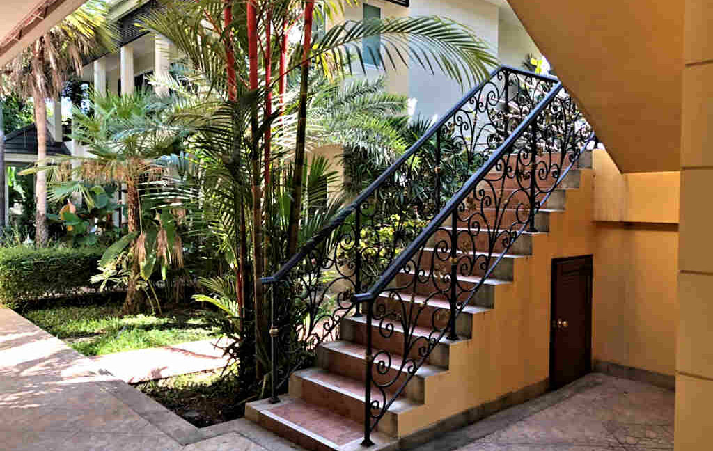 luxury-villa-sale-chiang-mai-8
