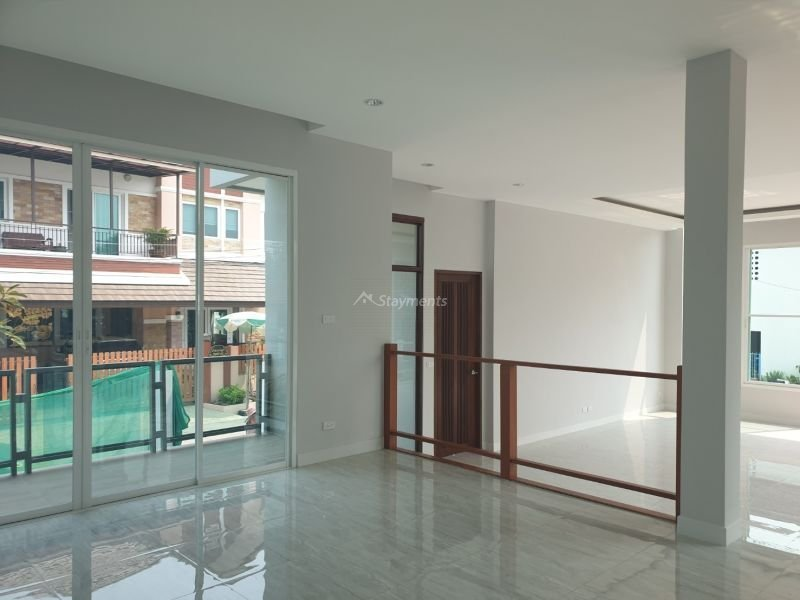 5-bedroom-pool-villa-for-sale-in-chiang-mai-13