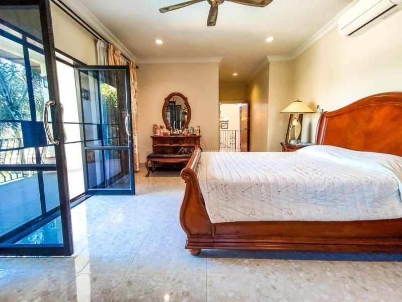 4-bedroom-villa-for-sale-in-san-pa-tong-chiang-mai.-21