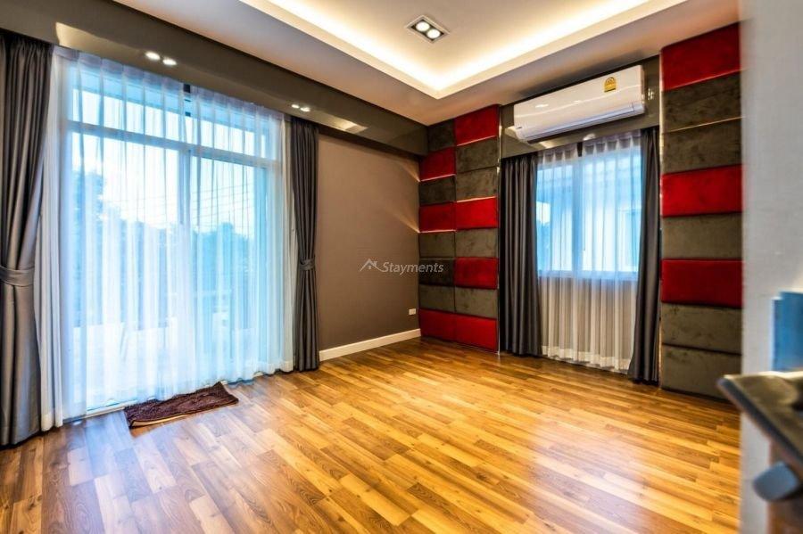 5-bedroom-villa-for-sale-rent-serene-lake-14