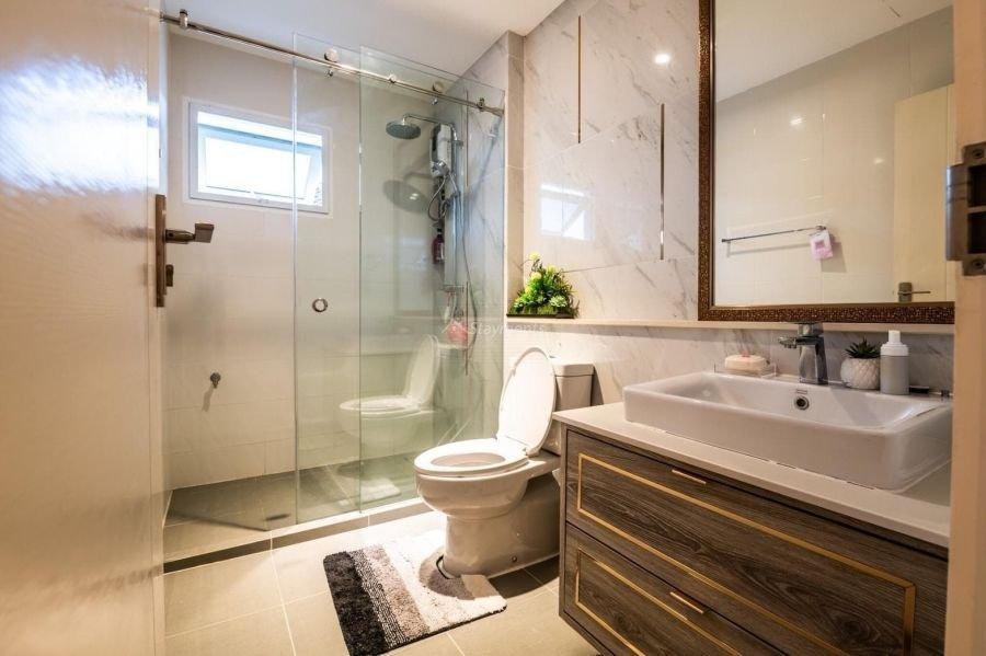 5-bedroom-villa-for-sale-rent-serene-lake-23