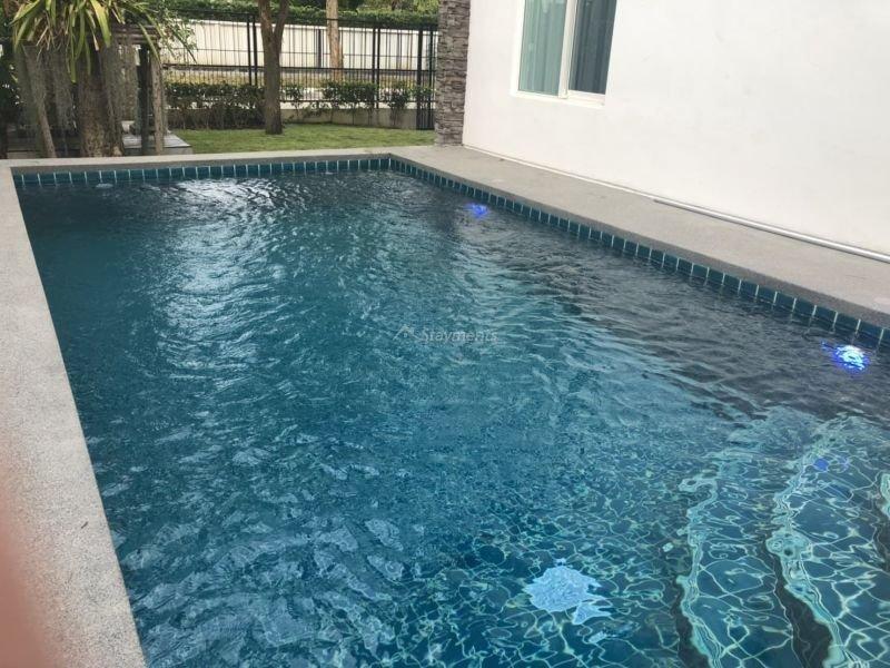 5-bedroom-villa-for-sale-rent-serene-lake-3