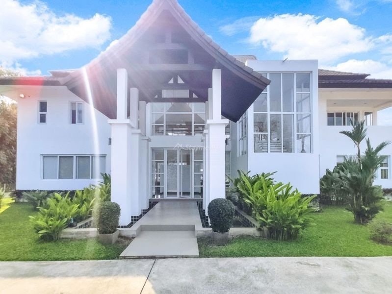 luxury-pool-villa-for-sale-in-mae-rim-chiang-mai-10