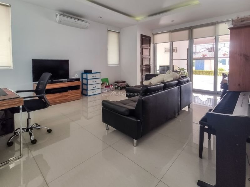 luxury-pool-villa-for-sale-in-mae-rim-chiang-mai-11