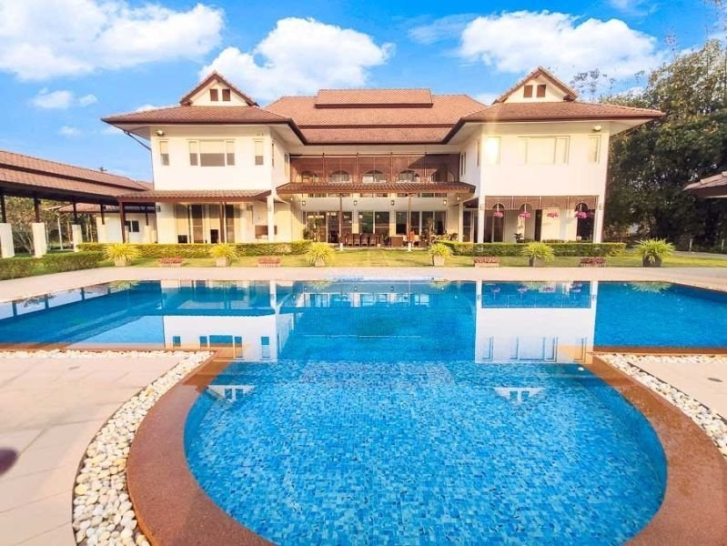 luxury-pool-villa-for-sale-in-mae-rim-chiang-mai-2