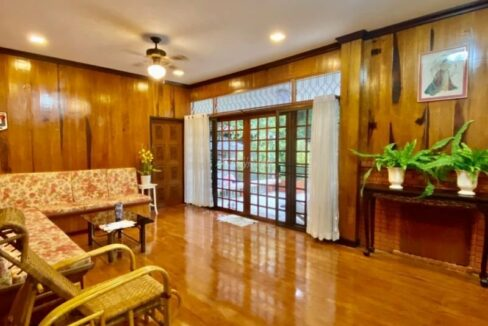 Newly renovated house for rent near Mecchok Plaza & NIS School
