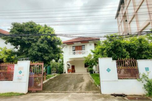 3 bedroom House With Mountain View For Rent In Nimman