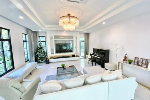 Newly Built Luxury Pool Villa For Sale In Hang Dong
