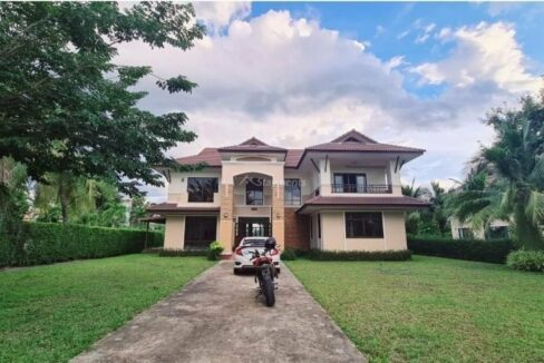 Great and large family house for rent in Hang Dong